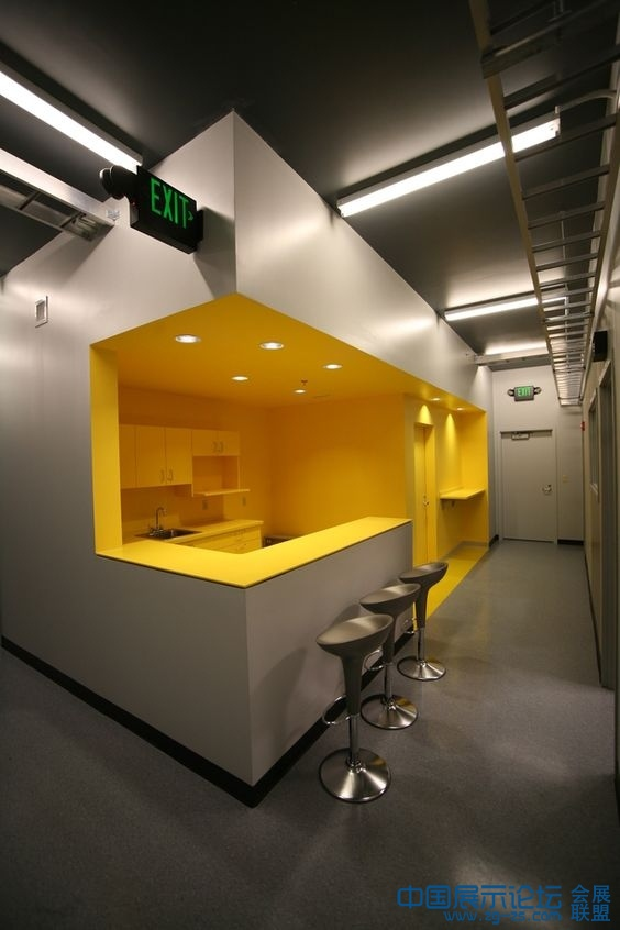 the yellow design -share from 展徒会展设计师培训基地 (22).jpg